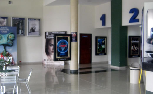 Royal films cali centro comercial jard n plaza for Cartelera de cine royal films cali jardin plaza