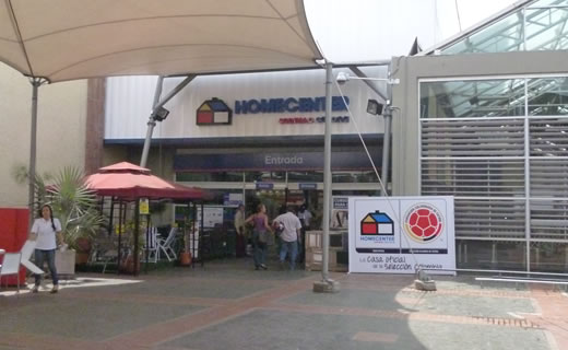 Homecenter cali centro comercial jard n plaza for Jardin plaza cali